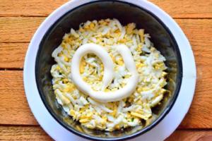 salat-ananas-s-kuricej-i-greckimi-orehami