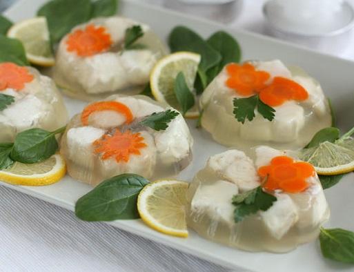 Заливное из курицы с желатином: 2 рецепта с фото пошагово